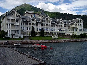Conference and resort hotels - Image: Balestrand
