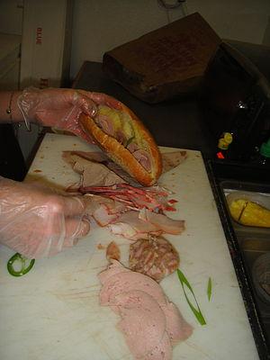 Bánh mì - Assembling a bánh mì