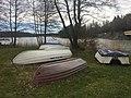 Barcas en frente del lago.jpg
