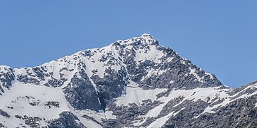 Barrier Peak in Fiordland National Park.jpg