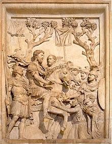 aad5013b2b Pompeiano al centro, alle spalle di Marco Aurelio a cavallo, di fronte a  loro i barbari, durante il periodo critico delle guerre marcomanniche degli  anni ...