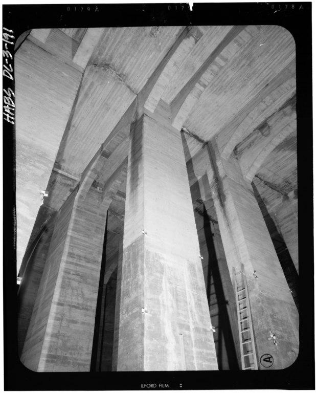 File:Basement Below Center Chamber, Looking Northeast. 14