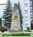 Bayreuth, Kulmbacherstrasse 85, Denkmal, Pyramide mit Hammer (01).JPG