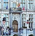 Bergues - Perron de l'Hôtel de Ville.jpg