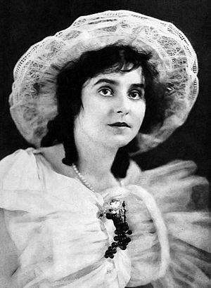 Beverly Bayne - Photo of Bayne in Motion Picture Magazine (1915)
