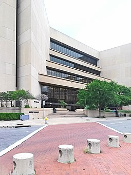 The J. Erik Jonsson Central Library in the Government District of Downtown Dallas Biblioteca Central Dallas.jpg