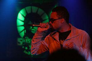 Bilal (American singer) - Bilal performing in Budapest, Hungary, in 2008.