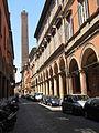 Bologna, Strada Maggiore e Torre degli Asinelli.JPG