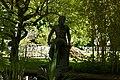 Bronzeplastik Frauenfigur am Wasser (Johanna Keller 1952) 02.jpg