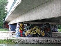 Brudermuehlbruecke Muenchen Graffiti-1.jpg
