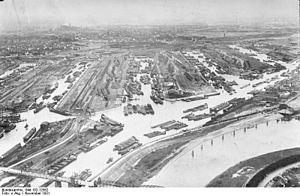 Bundesarchiv Bild 102-12562, Duisburg, Binnenhafen