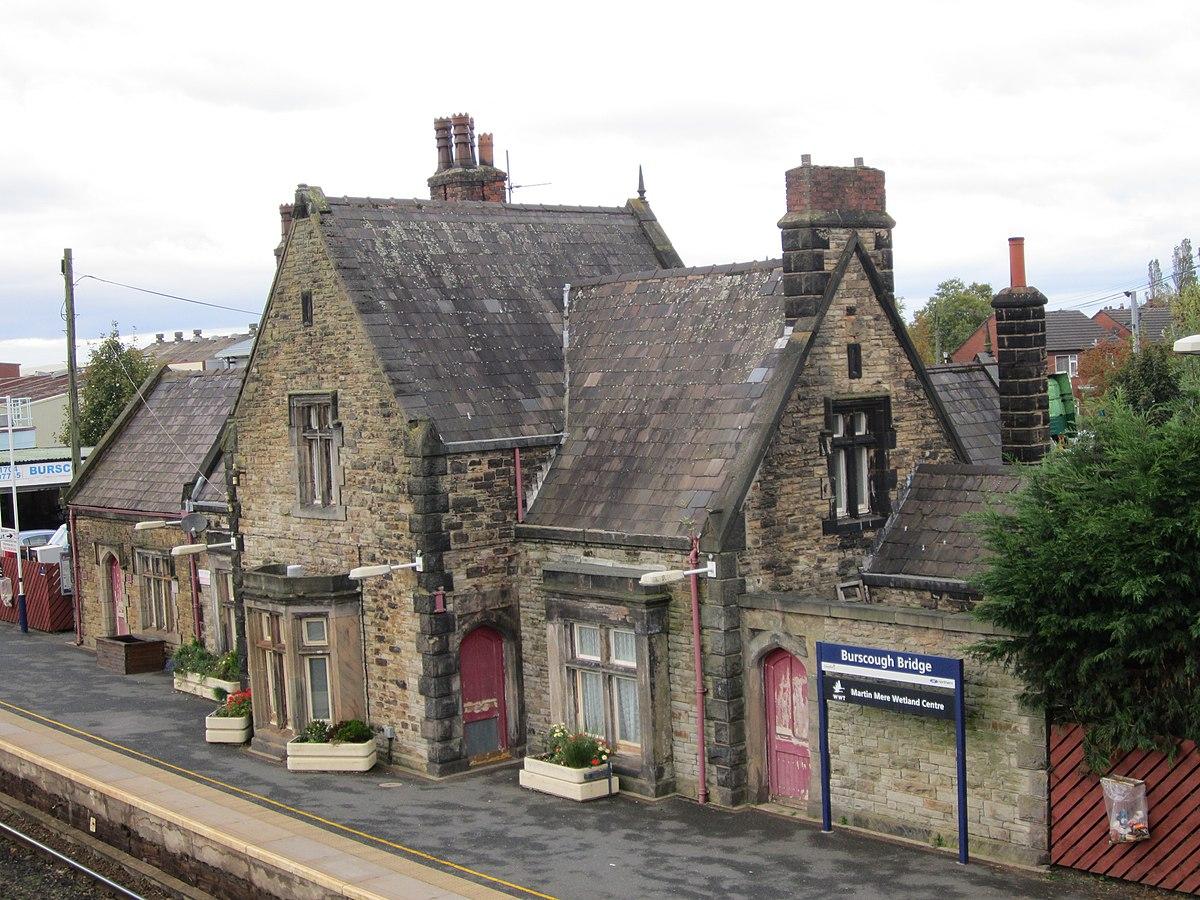 Burscough Bridge railway station (26).JPG
