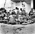 COLLECTIE TROPENMUSEUM Fruitmarkt op Tjikini Jakarta Java TMnr 10002546.jpg