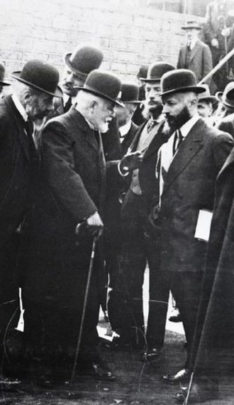 Camille Cavallier - Camille Cavallier meeting union leaders in 1908