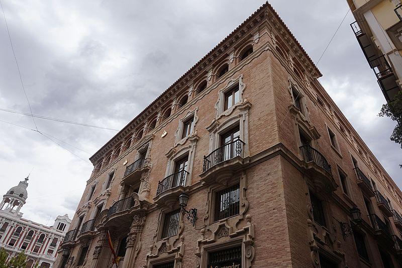 File casa palacio de los pag n actual sede central del banco wikimedia commons - Casas de banco santander ...