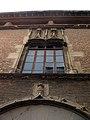 Casa de Bernat Xanxo, finestral a la façana.jpg