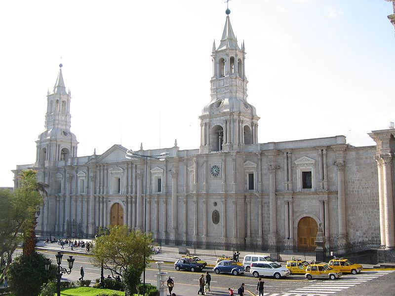 800px-catedralarequipa