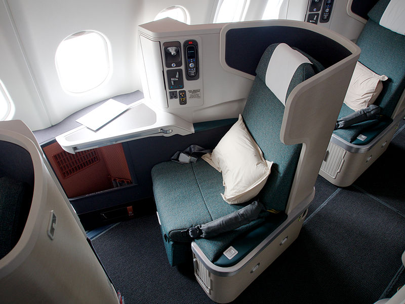 Datei:Cathay Pacific - A330-300 - Business Class (8108289508).jpg