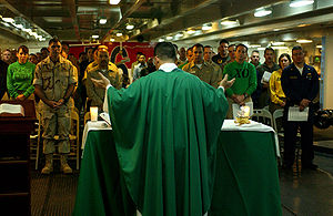 Roman Catholic Archdiocese for the Military Services, USA - U.S. Navy Chaplain Kenneth Medve celebrates Catholic Mass on board the USS ''Ronald Reagan'' (2006)