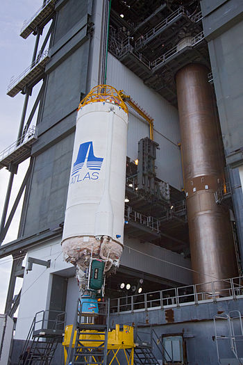 Centaur upper stage lifted up to put on the fi...