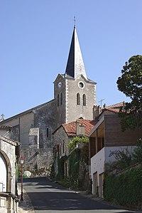 Charroux 86 Eglise 2012.jpg