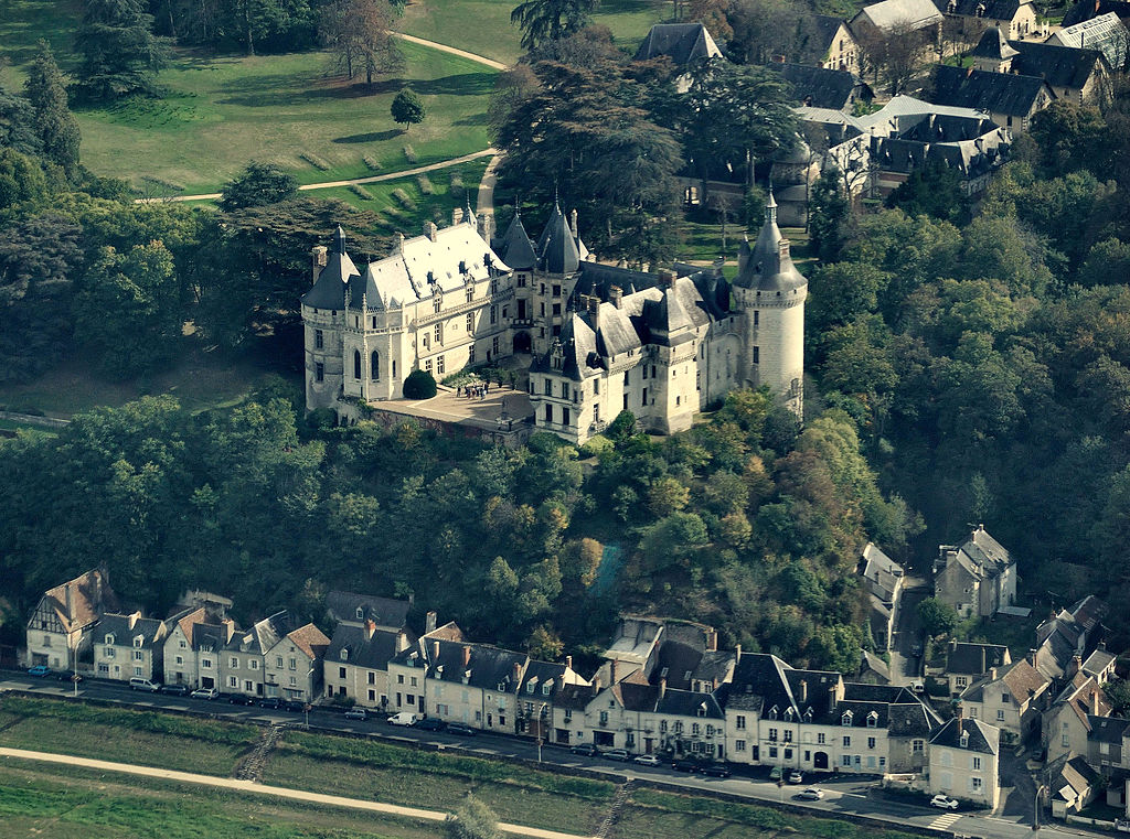 File:Chaumont-sur-Loire castle, aerial view.jpg - Wikimedia Commons