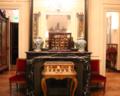 Cheminée et miroir du musée d'Ennery 01.png