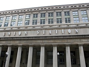 Chicago Union Station facade.jpg