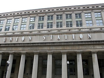 The facade of Chicago's Union Station main bui...