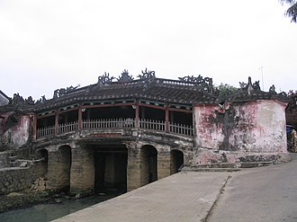 Japanese people in Vietnam - Chùa Cầu, a Japanese-built covered bridge in Hội An.