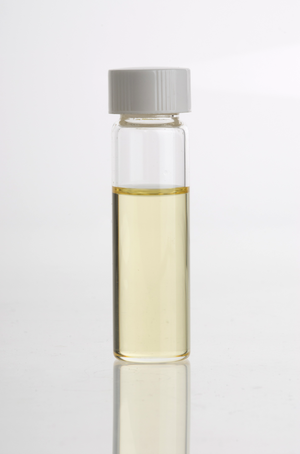 Distraction - Clove oil (Syzygium aromaticum) essential oil in glass vial
