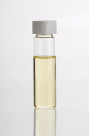 Distraction - Clove oil (Syzygium aromaticum) essential oil in glass vial