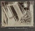 Collectie NMvWereldculturen, RV-A102-1-174, 'Weevende Triovrouw op Panapi'. Foto- G.M. Versteeg, 1903-1904.jpg
