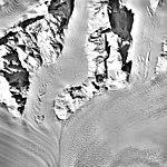 Columbia Glacier, Valley Glacier Convergence, March 12, 1989 (GLACIERS 1442).jpg