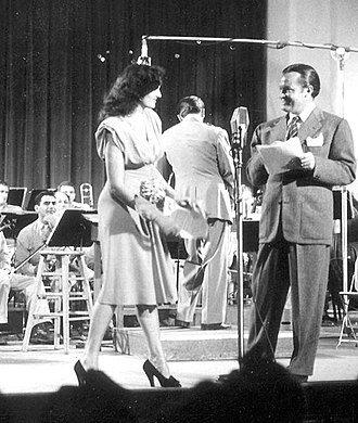 American Forces Network - Bob Hope welcomes Jane Russell to Command Performance (1944)
