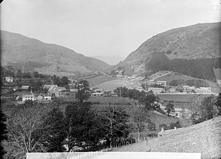 Corris, with Cadair Idris in the background (1894)
