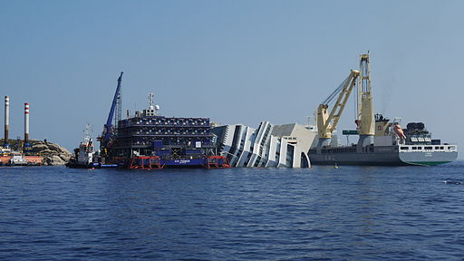 Costa-Concordia-shipwreck-july-2013-3