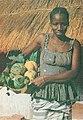DC - AGU - Rapariga com frutos tropicais - Guiné Portuguesa.jpg