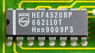 DOV-1X - Philips HEF4520BP on printed circuit board-9791.jpg