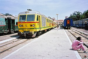 Dakar–Saint-Louis railway - The train linking Dakar to Saint-Louis waiting for departure at Dakar railway station in 1991