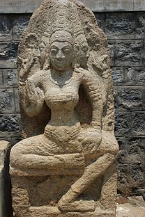 Deity sculpture in relief in the Arakeshwara temple at Hole Alur 8.JPG