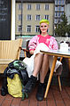 Die Friseurin Maibritt, hier vor der 24grad Kaffeerösterei auf dem Engelbosteler Damm, Hannover, ist zuständig für die Dekoration für das Fuchsbau Festival 2013 im Musiktheater Bad,I.jpg