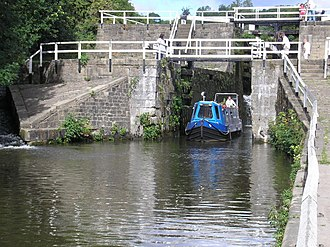 Apperley Bridge - Image: Dobson Locks geograph.org.uk 217040
