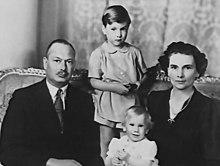 gloucester duchess duke william alice princess sons wikipedia richard canberra henry prince standing