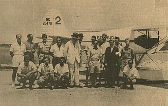 Royal Air Force, Bermuda (1939–45) - The Duke of Windsor visits the Bermuda Flying School in 1940 pictured in front of a Luscombe 8 Silvaire floatplane.
