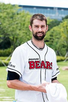 Dustin Nippert at Doosan Bears in 2015.jpg