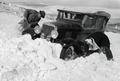 ETH-BIB-Chevrolet im Schnee-Abessinienflug 1934-LBS MH02-22-0053.tif