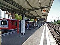 Eidelstedt railway station.jpg