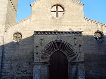 Entrada de la Iglesia de Santa Marina