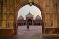Entrance Badshahi Mosque.jpg